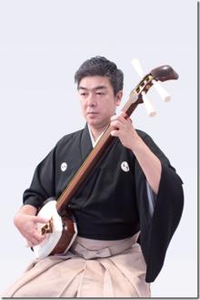 小山貢 津軽三味線合奏団強く深く響く心の音の写真